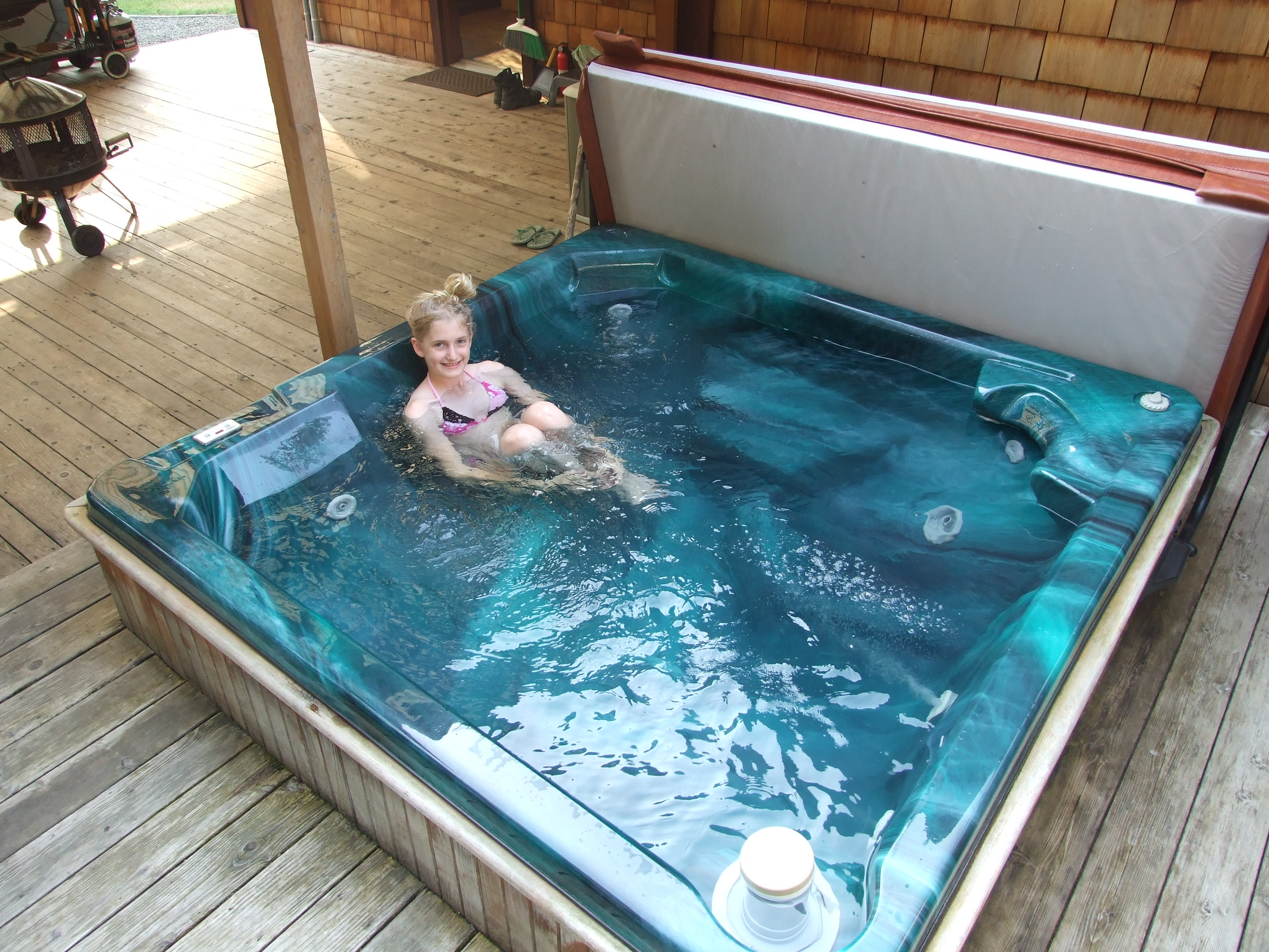 The Cedar Breeze hot tub at Sol Duc Riverside Cottages. There are other pictures of me in there with sunglasses on but I'll spare you those.