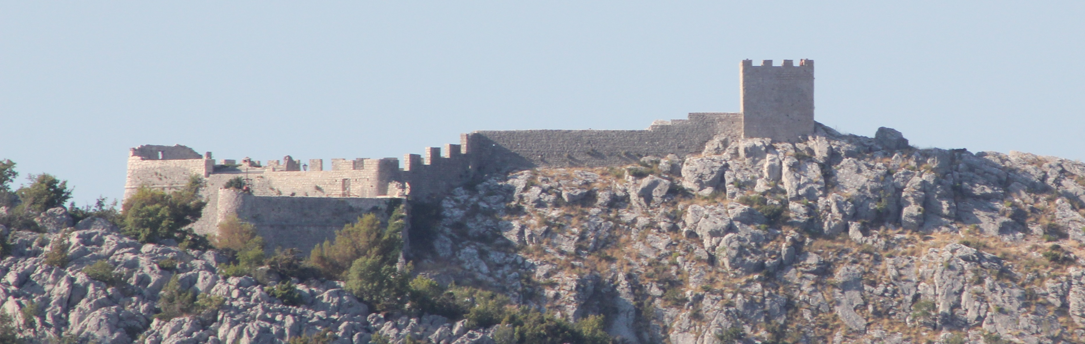 Visible on a ridge of the Omiška Dinara mountain on the other side of the valley is the 15th century Starigrad Fortress (Fortica), but this telephoto view was as close as we would be getting that day…