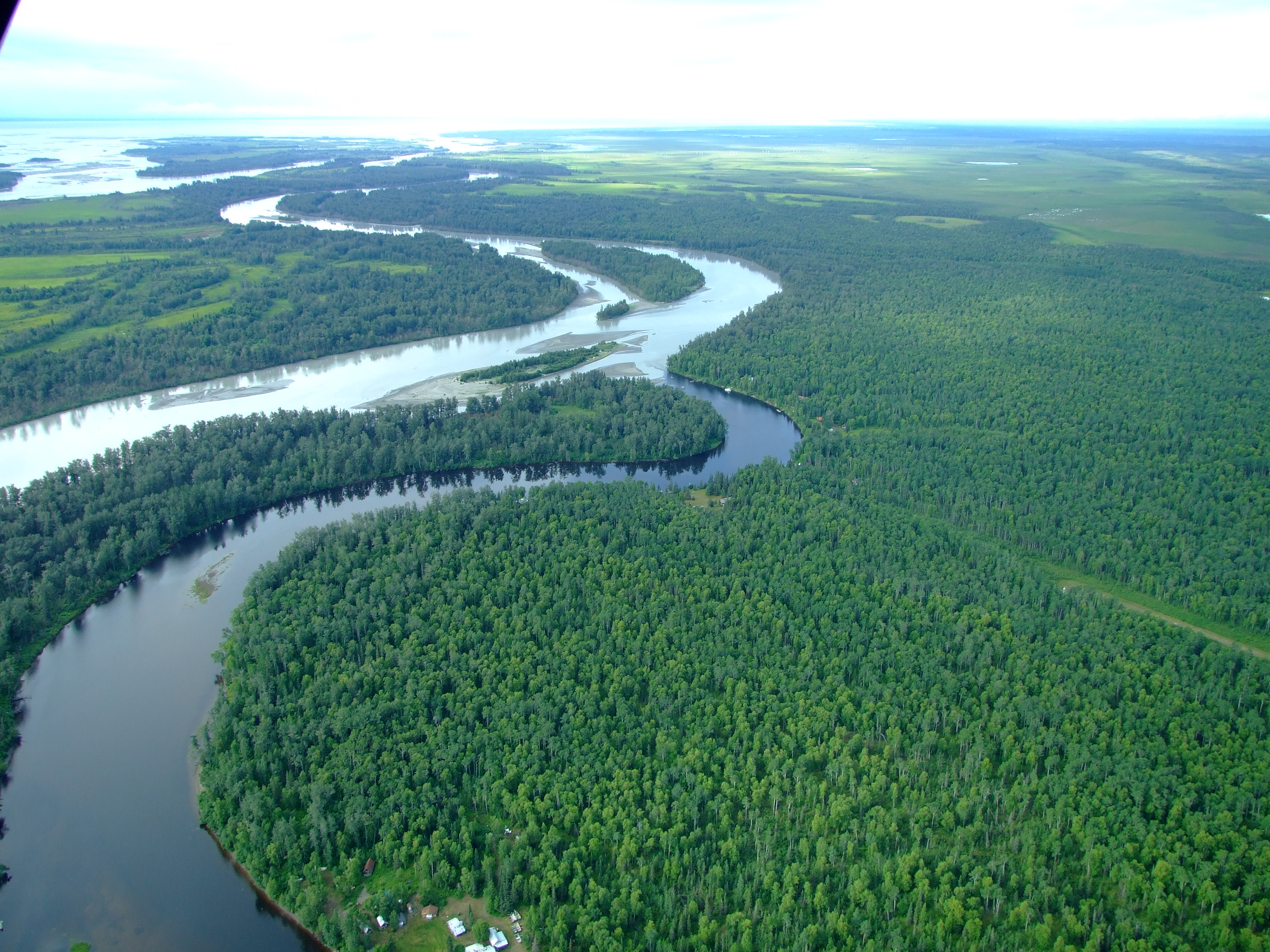The village of Alexander (population 40) curves around the right bank of Alexander Creek before it flows into the Susitna River. There was a native settlement recorded here in 1898.