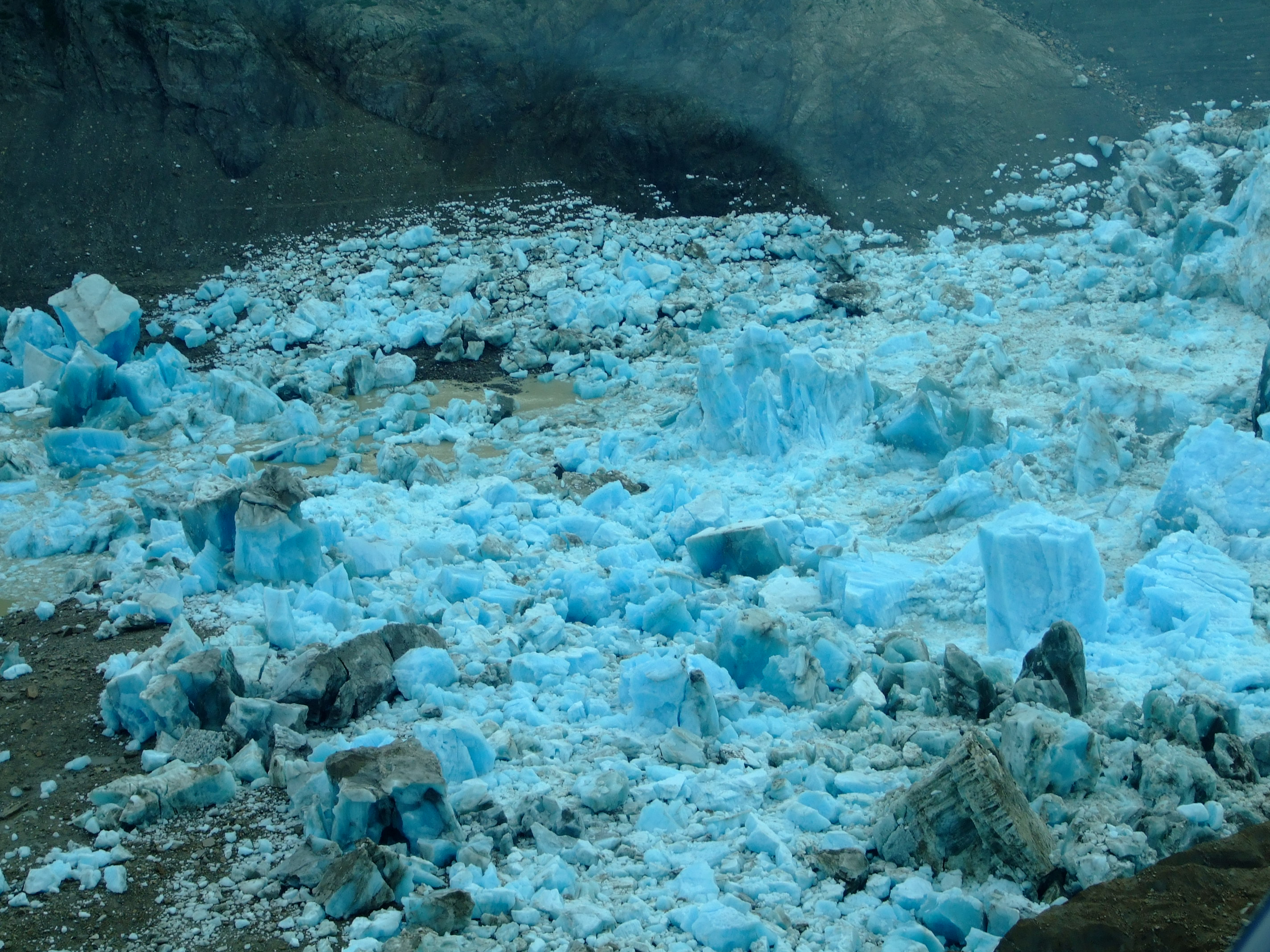 The jökulhlaups wrecking ground of the Triumvirate Glacier at the southern end of Strandline Lake